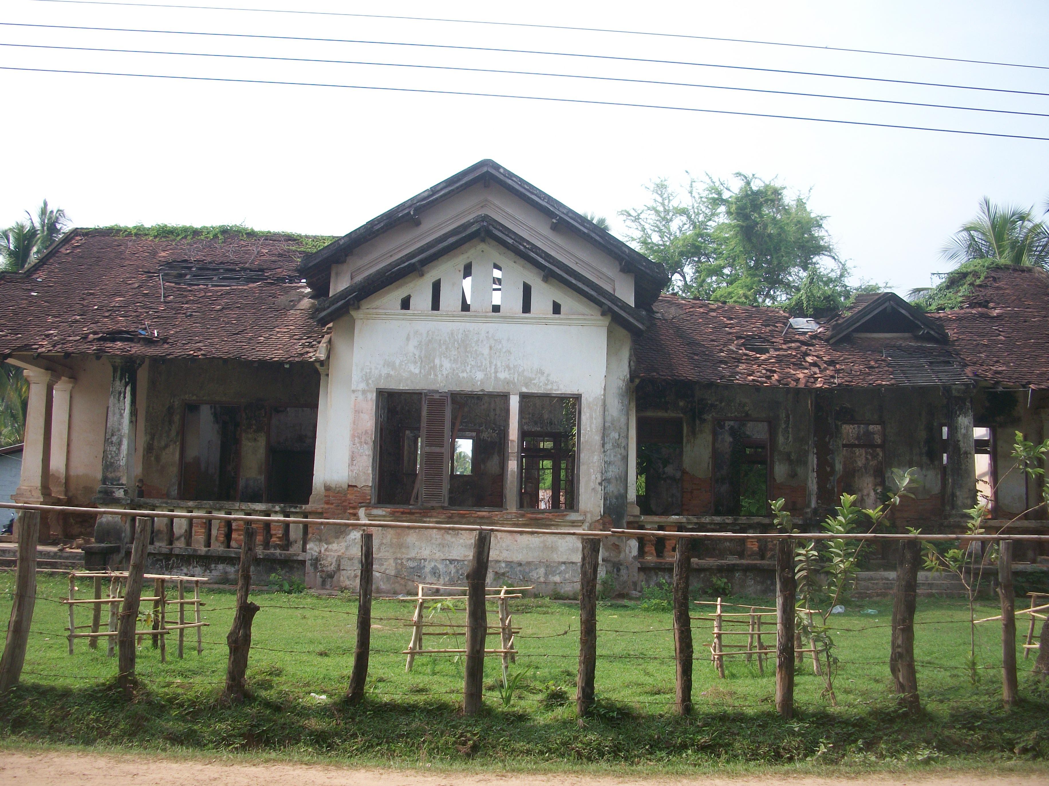 Le laos helene et robert en asie for La maison coloniale soldes