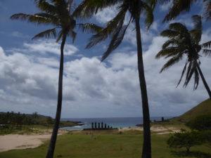 7 Moais sur la plage Anakena