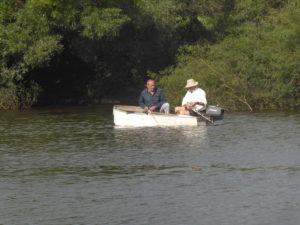 Sur le canot avec le patron