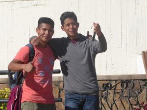 deux jeunes Boliviens rencontrés à Cochabamba
