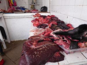 Au marché central : la viande