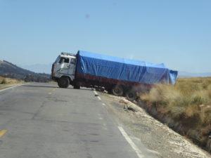 ce camion est das une bien mauvaise position