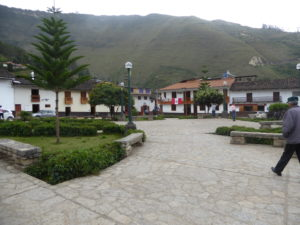 Leymebamba la place des armes
