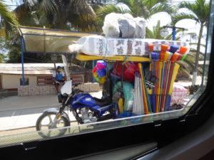 Marchand ambulant en tout touk à Cancas
