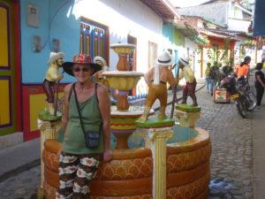dans une rue de Guatapé