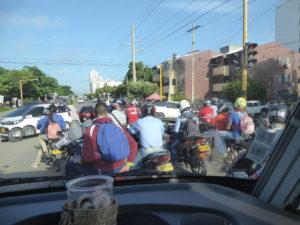 les nombreuse motos dans les rues