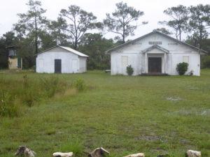 une église en campagne