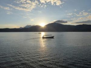 coucher de soleil sur le lac Caotepeque
