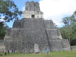 La pyramide n° 2 sur la Gran Plaza