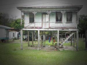 maison en bord de route