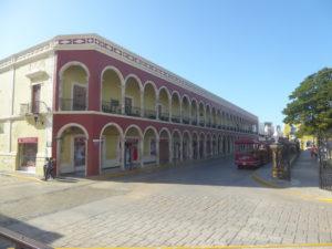 une rue de Campeche dans le centre historique